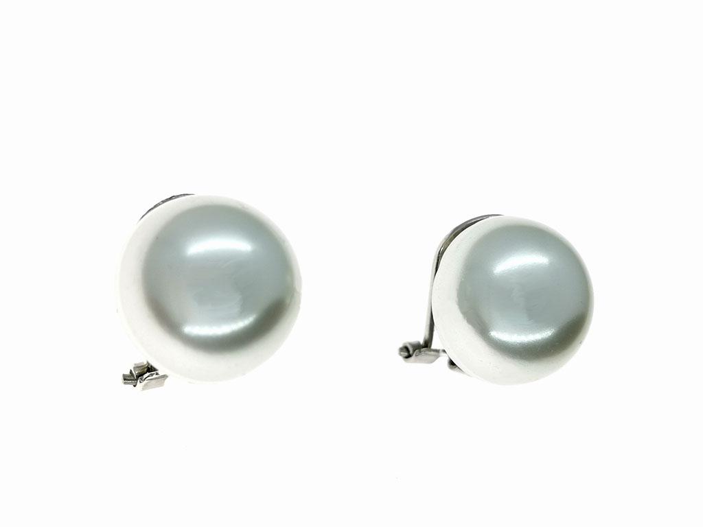 Pendientes perlas cierre omega